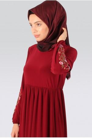Kolu Çicek Nakışlı Tesettür Elbise